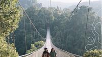Jembatan Gantung Situ Gunung di Sukabumi. (dok.Instagram @situgunungsupsensionbridge/https://www.instagram.com/p/BvMA5QRHupi/Henry