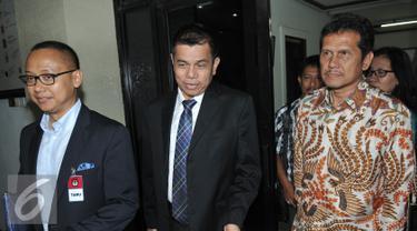 (Ki-ka) Sekjen Partai PAN, Eddy Soeparno, Sekjen Partai Demokrat Hiinca Panjaitan, Wakil Ketua Umum DPP PAN, Asman Abnur seusai melakukan pertemuan dengan Komisioner KPU di Gedung KPU, Jakarta, Selasa (1/9/2015). (Liputan6.com/Johan Tallo)