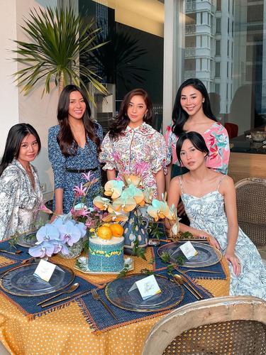 Dapat Kejutan dari Sahabat, Ini 7 Momen Bridal Shower Nikita Willy