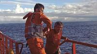 Tim gabungan menghentikan pencarian sementara terhadap korban kapal nelayan yang karam di perairan Kota Padang, Sumatera Barat karena cuaca yang tidak mendukung. (Liputan6.com/ Dok SAR Padang)