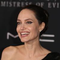 Angelina Jolie di premiere fil Maleficent 2 (FOTO: Splashnews)