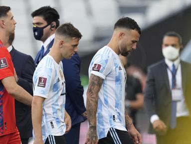 Laga kualifikasi Piala Dunia 2022 Zona Conmebol antara Brasil melawan Argentina di Neo Quimica Arena, Sao Paulo, Minggu (5/9/2021) dihentikan di tengah pertandingan oleh otoritas kesehatan Brasil (Anvisa). Empat pemain Argentina jadi pemicunya. (Foto: AP/Andre Penner)