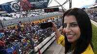 Aseel Al-Hamad menjadi wanita pertama Arab Saudi yang mengemudi mobil F1. (Boris HORVAT / AFP).