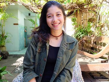 Perkenalkan adik Putri Marino, Selly Ambar Marino yang kini masih berusia 23 tahun. (Liputan6.com/IG/@ambarmarino)