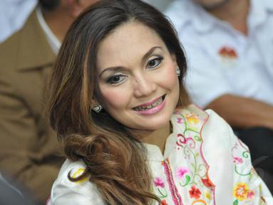 Kamis, (3/7/14) Nia Daniati hadir dalam acara buka bersama dengan simpatisan Prabowo-Hatta, di Yayasan Pondok Pesantren Nurul Hijrah, Jakarta. (Liputan6.com/Panji Diksana)