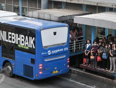 Transjakarta Kejar 185 Juta Penumpang Setahun-Jakarta- Yoppy Renato-20170427