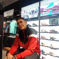 Jika dulu ia mengoleksi sneakers untuk dipajang, kini Ganindra Bimo memilih koleksi sneakers yang sesuai dengan kebutuhan (Foto: Vinsensia Dianawanti)
