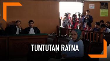 Ratna Sarumpaet dituntut jaksa penuntut umum hukuman penjara 6 tahun atas kasus penyebaran berita bohong atau hoaks.