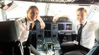 Wanita itu mengatakan bahwa sewaktu kecil ia tidak pernah terpikirkan menjadi pilot pesawat komersial. (Sumber easyJet)