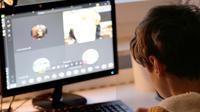 Ilustrasi anak-anak beraktivitas di dunia maya/di internet. Kredit: Marc Thele via Pixabay