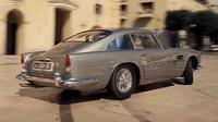 Aston Martin DB5 kembali  menjadi tunggangan agen rahasia Inggris dalam film laga James Bond.