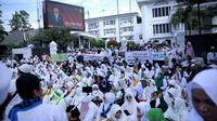 Aksi Damai Ratusan Jemaah PT SBL