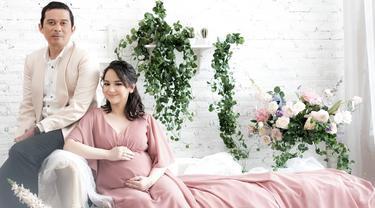 [Fimela] Angelica Simperler dan Rico Hidros Daeng