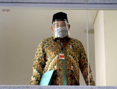 FOTO: KPK Periksa Tiga Mantan Anggota Dewan Jambi