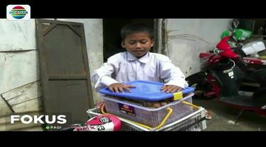 Bocah yatim piatu asal Tangsel ini rela berjualan cilok untuk menghidupi adiknya. Meski demikian, ia bercita-cita menjadi pemain sepakbola dan bergabung dengan Persib Bandung.