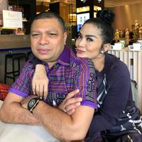 Sebagai pasangan suami istri, Krisdayanti dan Raul Lemos memang pastinya menjaga keharmonisan rumah tangganya. Banyak cara yang dilakukan, dan terpenting adalah menjaga komunikasi. (Instagram/krisdayantilemos)