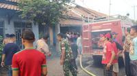 Di Pemalang, seorang pria pengidap gangguan jiwa tewas terbakar dalam kondisi terpasung bersama dengan terbakarnya rumah. (Foto: Liputan6.com/Polres Pemalang/Muhamad Ridlo)