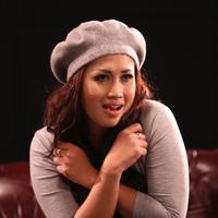 Melinda pun sedang dalam proses produksi video klip untuk mendukung promo lagu 'Jaga Selalu Hatimu' yang diaransemen ulang olehnya tersebut.  Cerita dalam klip juga disesuaikan dengan alur film. (Andy Masela/Bintang.com)
