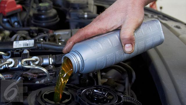 Hasil gambar untuk oli mesin