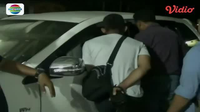 Bermaksud razia narkoba di warnet, Polisi ini justru perkosa siswi SMA yang sedang bermain internet.