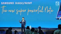 Presiden of Samsung Electronics Indonesia Jeahoon Kwon saat melaunching produk Samsung Galaxy Note 9 di Jakarta, Kamis (23/8). (Liputan6.com/Faizal Fanani)
