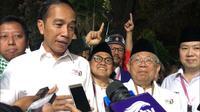Capres dan Cawapres Jokowi-Ma'ruf Amin setelah mendapat nomor urut 1 di Pilpres 2019 (Liputan6.com/ Putu Merta Surya Putra)