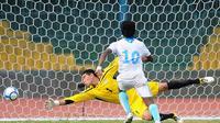 Neil Etheridge tak bisa memperkuat timnas Filipina di Piala AFF 2016. ( AFP/Lakruwan Wanniarachchi)