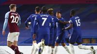 Pemain Chelsea Thiago Silva usai mencetak gol pertama timnya dalam pertandingan sepak bola Liga Inggris lawan West Ham di Stamford Bridge, London, Senin, 21 Desember 2020. (AP Photo / Clive Rose, Kolam)