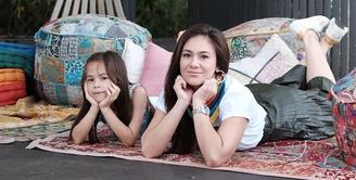 Wulan Guritno belum mewajibkan anak keduanya, London Abigail, untuk melakukan ibadah puasa. (instagram/wulanguritno)