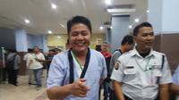 Cagub Sumsel nomor urut 1 Herman Deru saat menjalani tes kesehatan di RSMH Palembang  (Liputan6.com / Nefri Inge)
