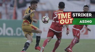 Berita video Time Out kali ini tentang striker asing yang menguasai daftar atas pencetak gol terbanyak Gojek Liga 1 2018 bersama Bukalapak.
