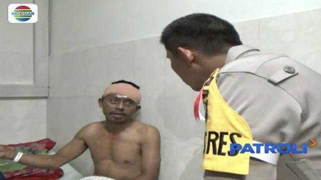 Cemburu buta karena wanita, dua pria di Lumajang, Jawa Timur, terlibat duel carok.