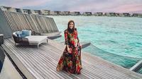 Maia Estianty saat liburan ke Maldives. (dok. Instagram @maiaestiantyreal/https://www.instagram.com/p/Bw54eFbF90h/Putu Elmira)