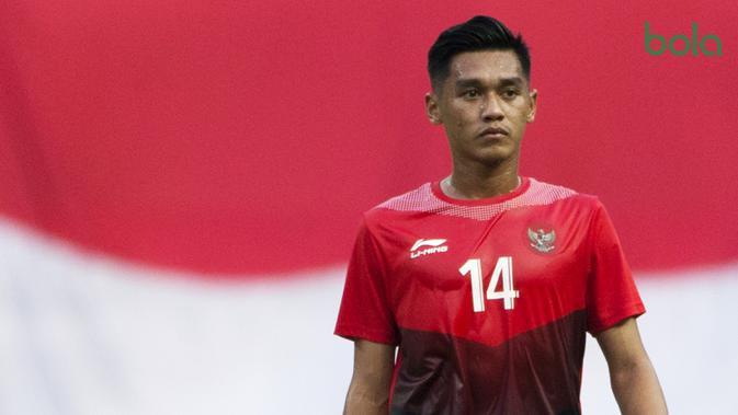 Gelandang Indonesia, Septian David, saat melawan Uni Emirat Arab (UEA) pada Asian Games di Stadion Wibawa Mukti, Jawa Barat, Jumat (24/8/2018). Indonesia kalah adu penalti dari UEA. (Bola.com/Vitalis Yogi Trisna)