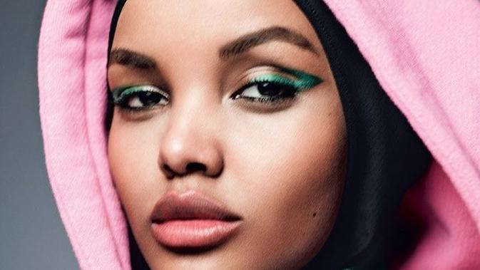 Model Berhijab Halima Aden Jadi Sampul Majalah Kecantikan Nomor Satu