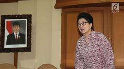 Menkes Nila F Moeloek saat jumpa pers terkait bajakah di Kemenkes, Jakarta, Senin (26/8/2019). Menkes memgapresiasi penelitian ketiganya dan siap mengawal serta membantu penelitian lebih lanjut. (Liputan6.com/Herman Zakharia)