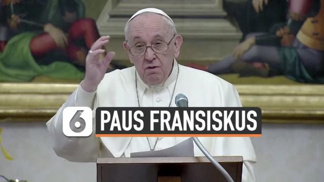 Sebagian warga yang memutuskan berlibur saat pandemi Covid-19 menjadi perhatian Paus Fransiskus. Ia menilai tindakan tersebut sangat menyakitkan