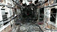 Kereta subway di Korea Selatan yang hangus terbakar, akibat ulah gagal seorang pria yang hendak bunuh diri. (KJClub.com)