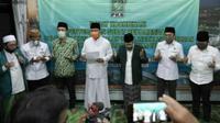 DPP PKB memberikan rekomendasi Syaifullah Yusuf atau Gus Ipul dan Adi Wibowo untuk Pilwali Pasuruan 2020. (Foto: Liputan6.com/Dian Kurniawan)