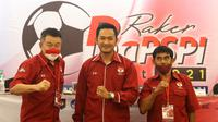 Ketua Badan Pembinaan Sepak Bola Prestasi Indonesia (BaPSPI), Eko Setyawan (tengah).(Istimewa).
