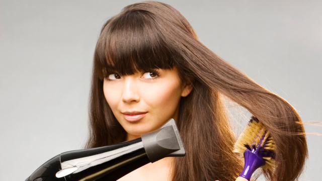 Tips dan Trik Agar Blow Rambut Tahan Lama - Fashion   Beauty ... a3807d2528