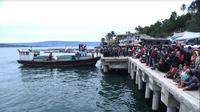 Tim SAR gabungan mencari para korban hilang KM Sinar Bangun yang karam di perairan Danau Toba, Sumatera Utara. (Liputan6.com/Reza Efendi)
