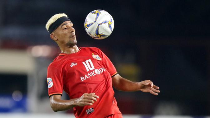 Penyerang Persija Jakarta, Bruno Matos, mengontrol bola saat melawan Shan United pada laga Piala AFC 2019 di SUGBK, Jakarta, Rabu (15/5). Persija menang 6-1 atas Shan United. (Bola.com/M Iqbal Ichsan)