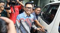 Anggota DPR RI Fraksi PAN, Eko Hendro Purnomo alias Eko Patrio saat akan meninggalkan Bareskrim Polri Gedung KKP, Jakarta, Jumat (16/12).  (Liputan6.com/Herman Zakharia)