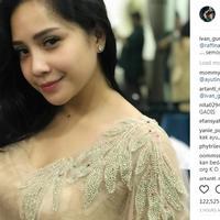 Ivan Gunawan mengunggah foto Nagita Slavina saat fitting busana yang akan dikenakan pada pernikahan Syahnaz Sadiqah (Instagram/@ivan_gunawan)