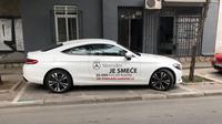 Seorang pemilik Mercedes-Benz C-Class Coupe di Serbia protes pada mobil asal Jerman itu dengan menuliskanadalah sampah, starter diganti pada 13.000 km, kopling pada 30.000 km, keduanya tidak tercakup oleh garansi. (Carscoops)