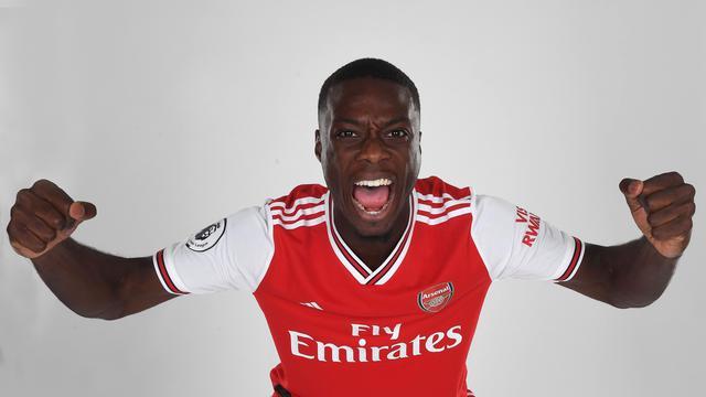 Nicolas Pepe resmi berseragam Arsenal setelah dibeli dari Lille