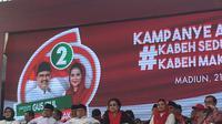 Ketua Umum PDI Perjuangan Megawati Soekarnoputri menghadiri kampanye akbar pasangan Gus Ipul-Puti Guntur di Lapangan Gulun Madiun Jawa Timur, Kamis (21/6/2018). (Liputan6.com/Lizsa Egeham)