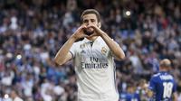Bek Real Madrid Nacho Fernandez merayakan gol pada laga melawan Deportivo Alaves di Estadio Santiago Bernabeu, Minggu (2/4/2017). (AP Photo/Daniel Ochoa de Olza)