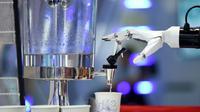 Ilustrasi robot pembuat burger, Creator. (WANG ZHAO/AFP)